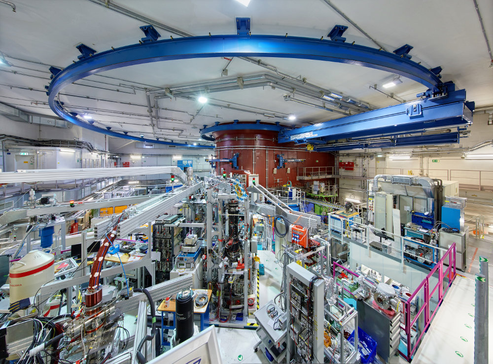 The positron source NEPOMUC in Garching, where the new positron pulse source will be installed and operated. The reactor pool of FRM II is seen at the back (brown). <br /><br />