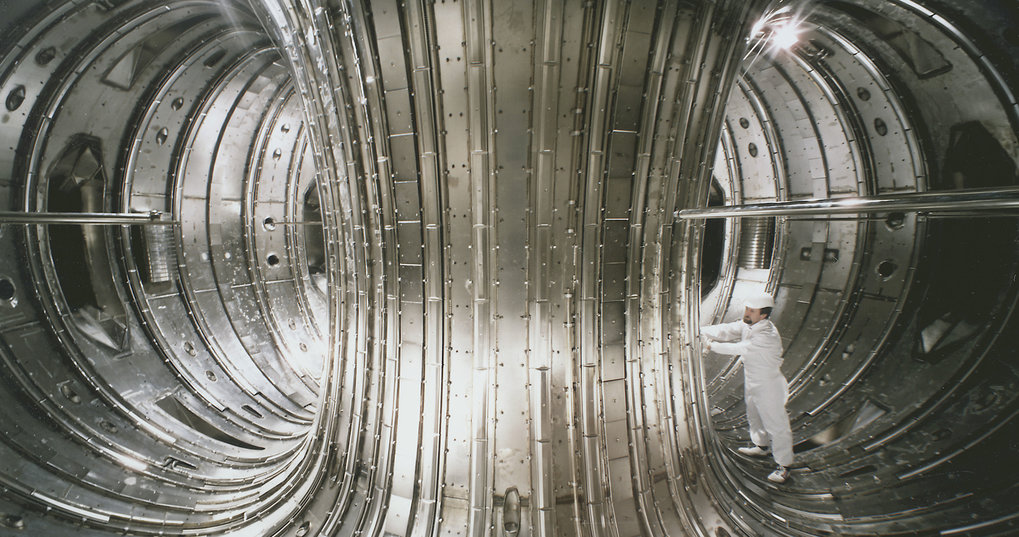 In 1983 JET, the Joint European Torus, is commissioned, the world's largest fusion device.