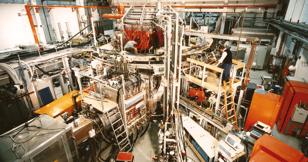 In 1992 Wendelstein 7-AS (1988 - 2002) is the first stellarator to achieve the H-regime.