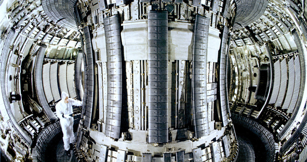 In 1997 JET again achieves world record results: 16 megawatts of fusion power; 65 per cent of the heating power is recovered as fusion power.