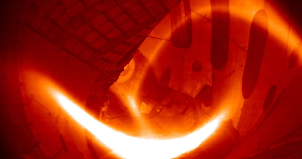 End of 2015 Wendelstein 7-X produces its first helim hydrogen plasma. The first hydrogen plasma in February 2016 marks the start of scientific operation.